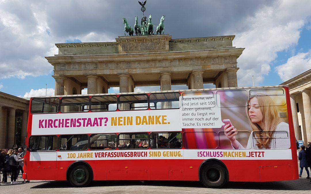 Abschied von der Kirchenrepublik: Die Deutschlandtour der Säkularen Buskampagne hat begonnen